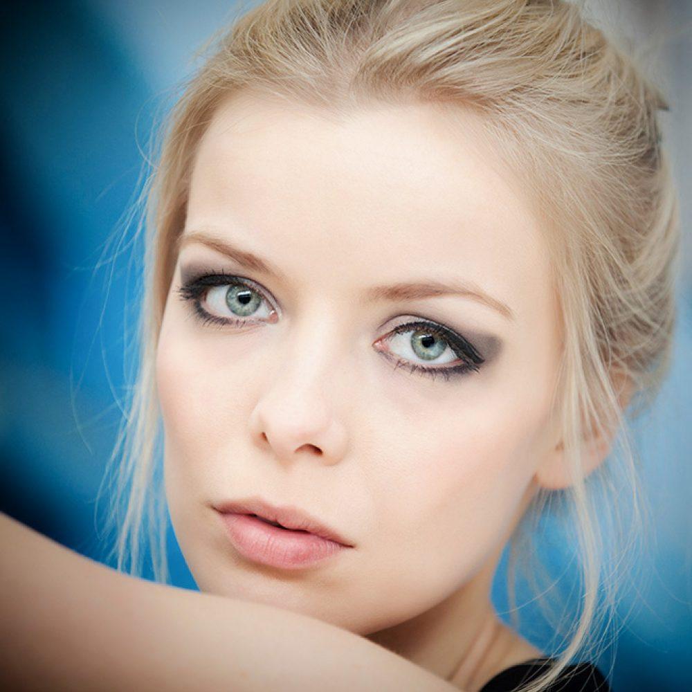 Portrait - blondes Model - Fotostudio Kürnach