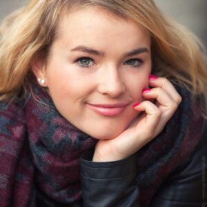 Fotoshooting blonde junge Frau - Portrait